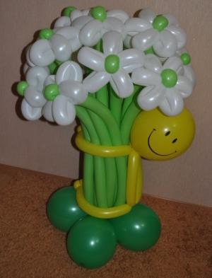 Букет цветов с человечком
