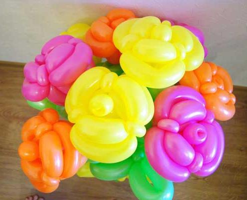 Букет роз из шаров