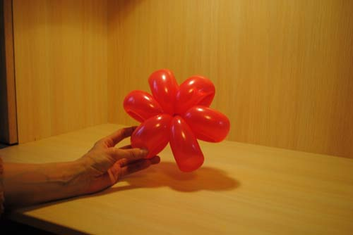 Цветок из воздушного шара